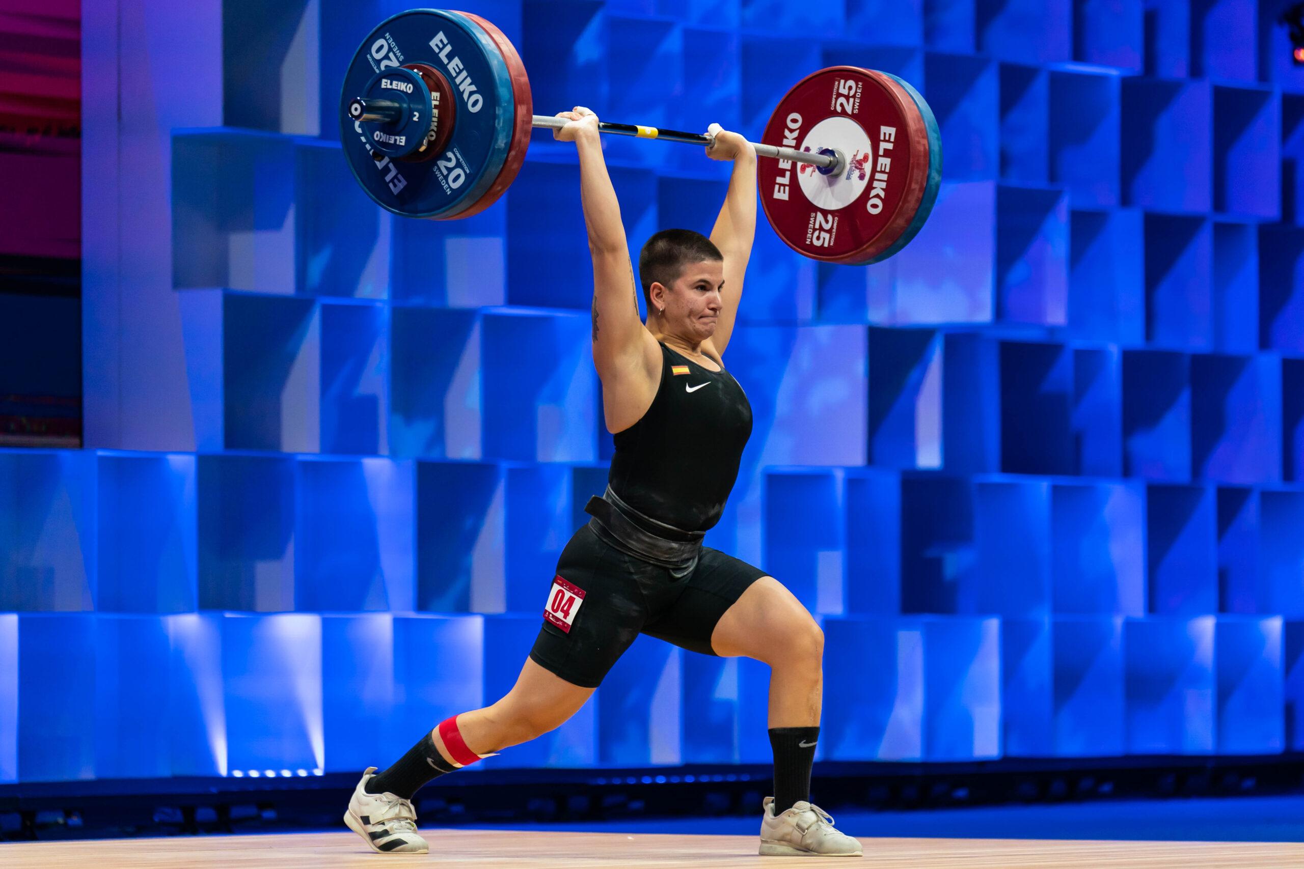 Ilia Hernández se queda a seis kilos de la medalla de bronce en la categoría de hasta 71 kilos en los Europeos de Moscú.
